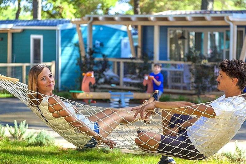 Panoramica del camping village con case mobili