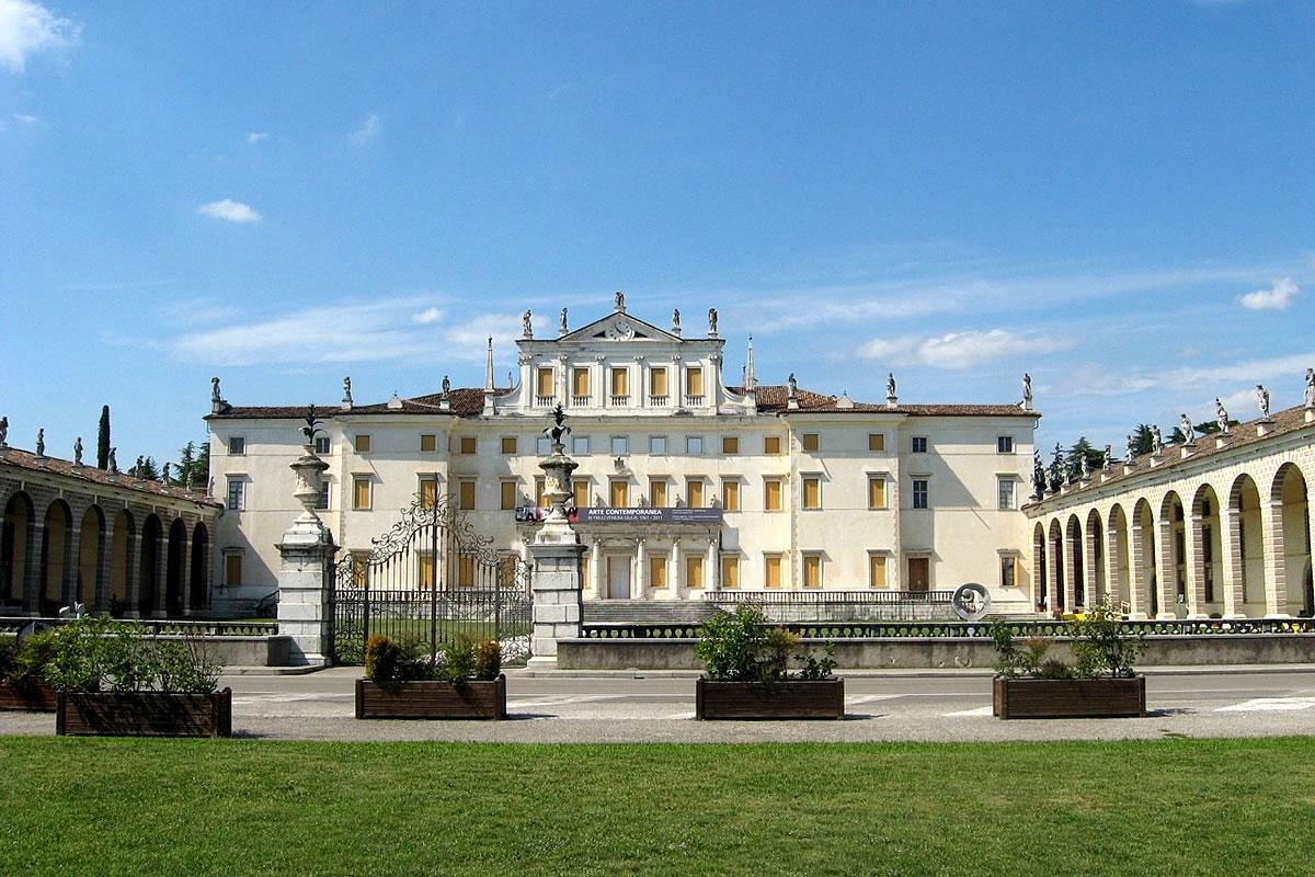 Villa Manin Passariano veduta dell'entrata principale