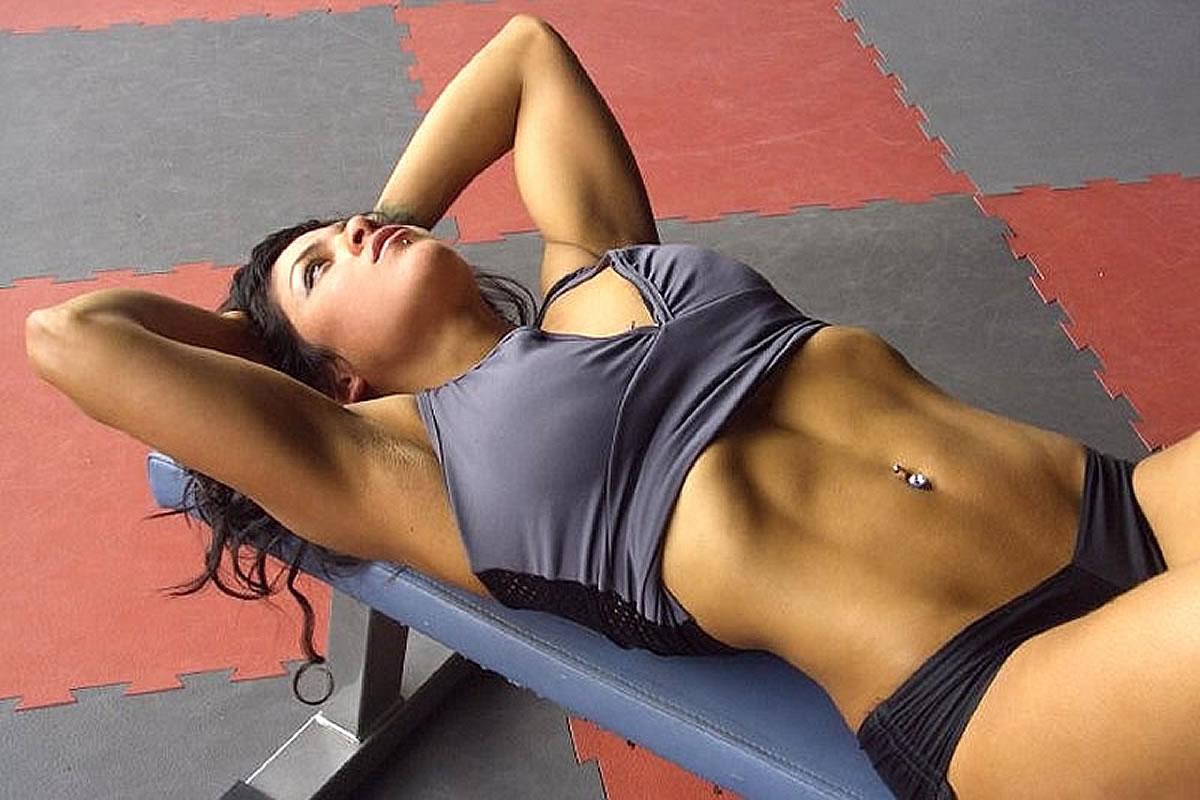 Allenamento fitness in palestra a Lignano