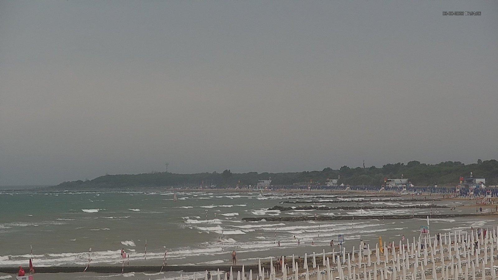 Webcam in Lignano Riviera view onto the beach