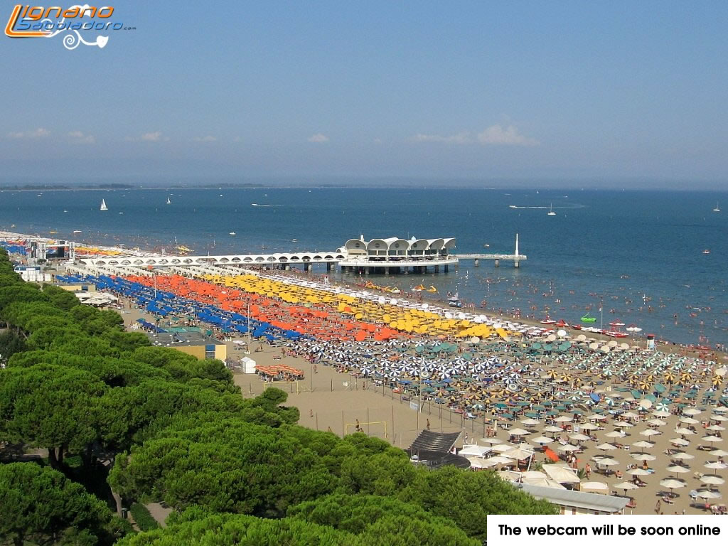 Webcam in Lignano Sabbiadoro with view of Terrazza a Mare and the beach