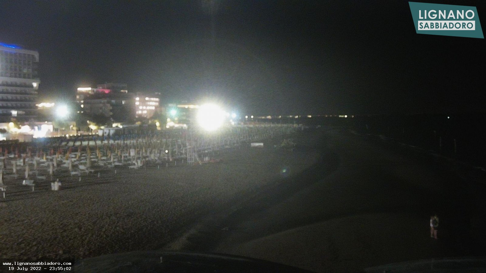 Webcam in Lignano Sabbiadoro, Blick auf VIP Pavillons im Strand